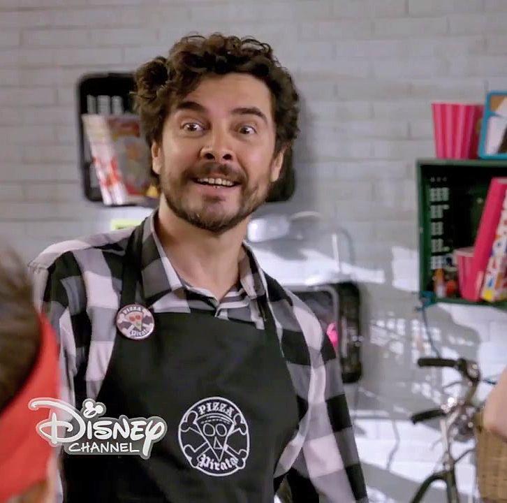 José Manuel Seda en Mónica Chef, para Disney Chanel