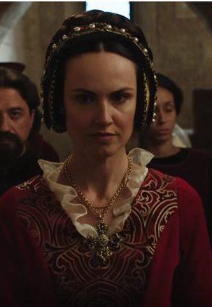 Claudia Queen Elena7